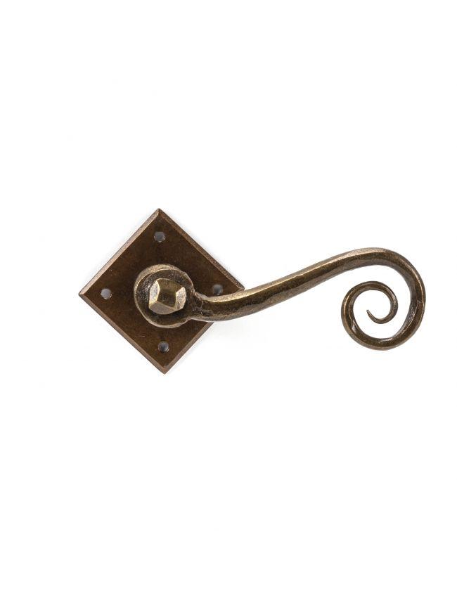 Bronze Monkeytail on Diamond Rosette
